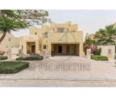 4 Bedrooms beautiful Villa for sale in Dubai