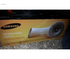 Samsung Wireless Audio with Dock DA-E550 Brand new White
