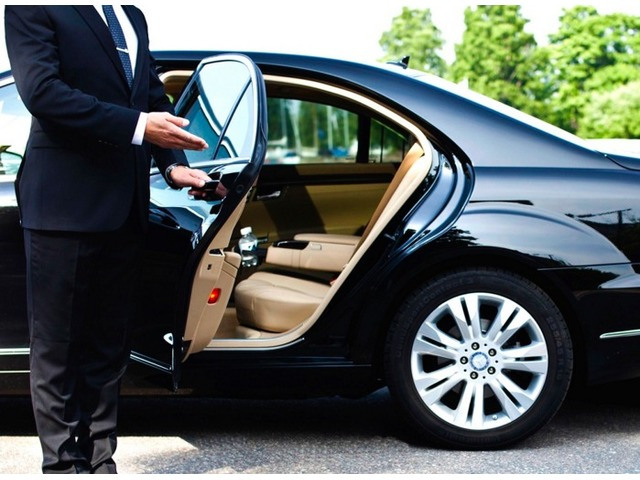 Car Lift Available Any Where in Dubai