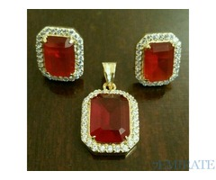 Zircon jewellery set gold plated.